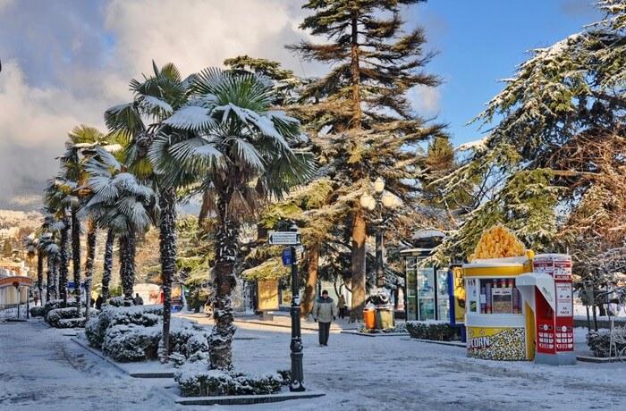 Зимняя набережная Алушты